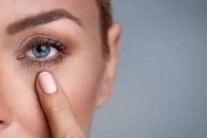 Jak spowolnić procesy starzenia się skóry?